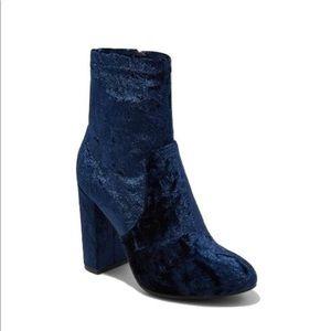 💙Crushed Velvet Sock Booties💙